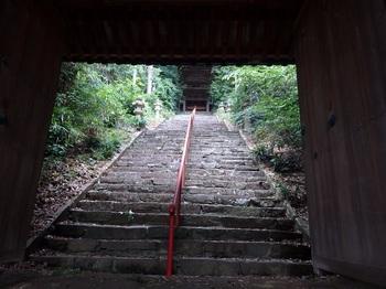 199-1楼門入口石段.JPG