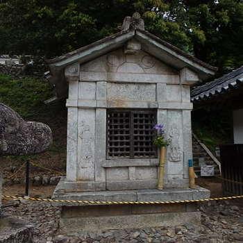 徳源院京極家墓所P5260068-1.JPG